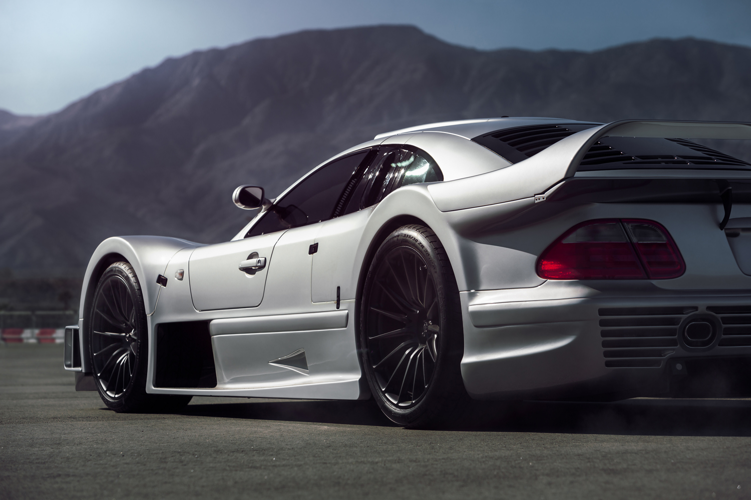 mercedes benz clk gtr v3llum. Black Bedroom Furniture Sets. Home Design Ideas